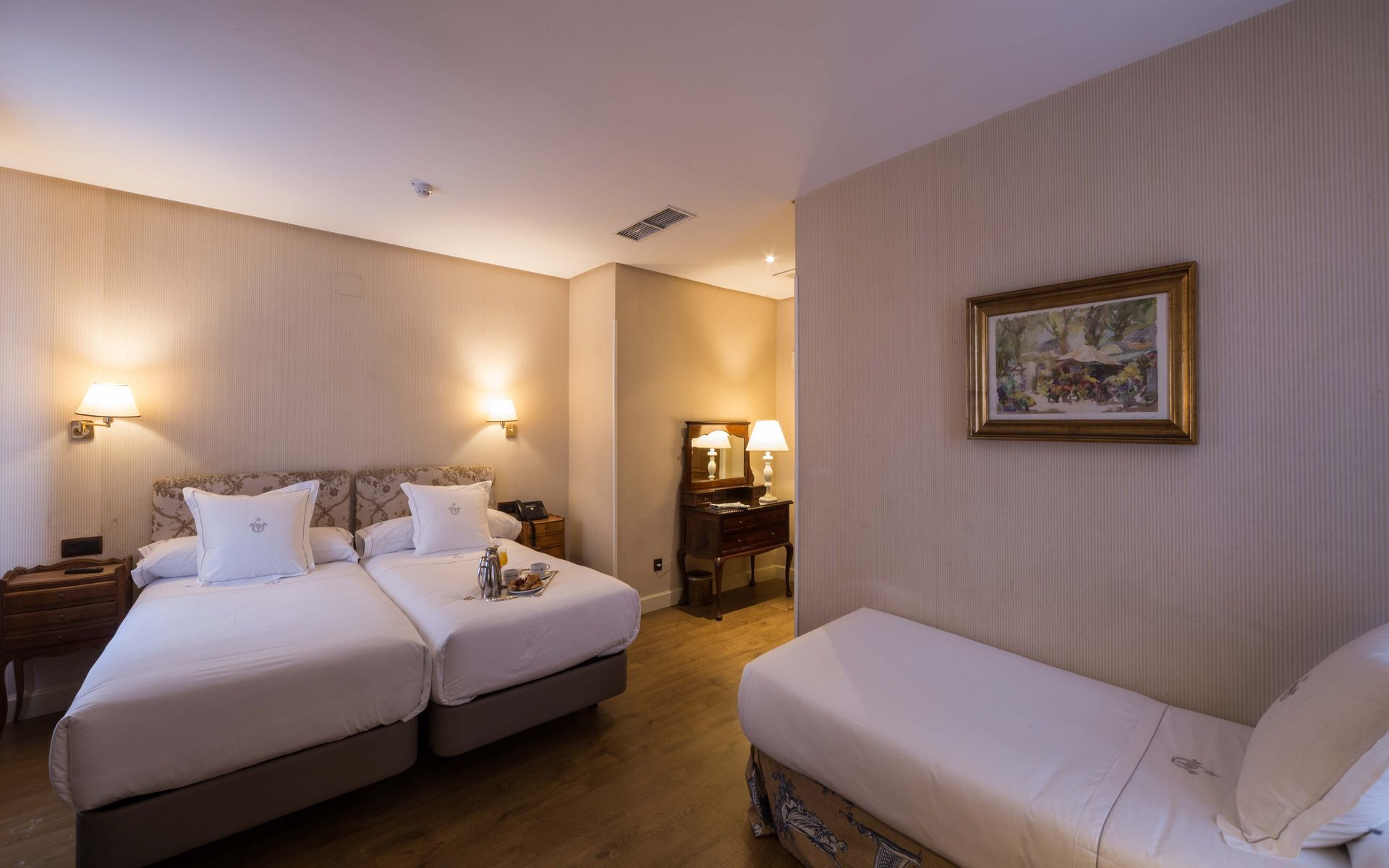 Hotel principe pio madrid for Habitacion familiar madrid